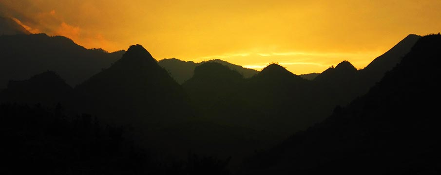 Mountains In Vietnam Map.Trekking In Vietnam And National Parks Map Northern Vietnam