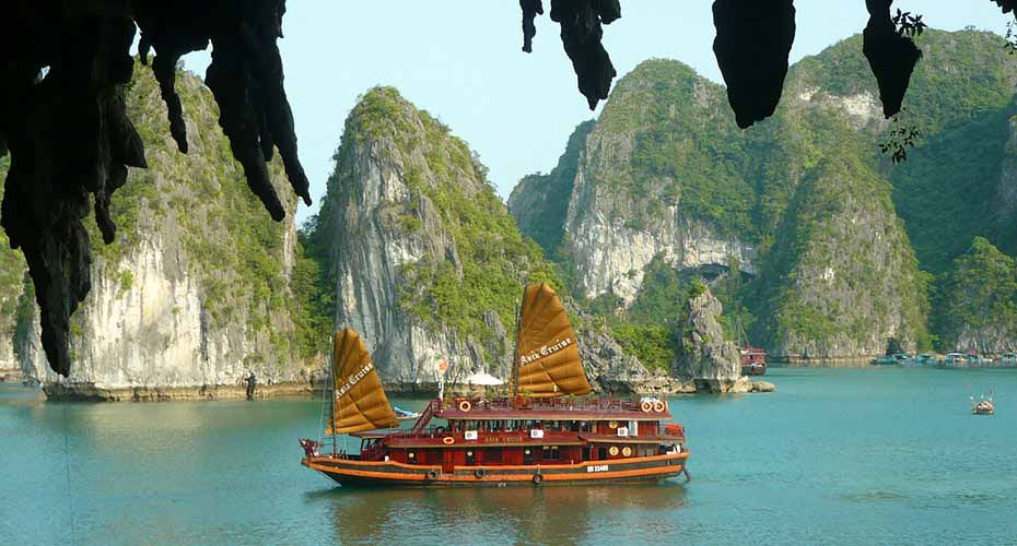 ha-long-bay-north-vietnam1