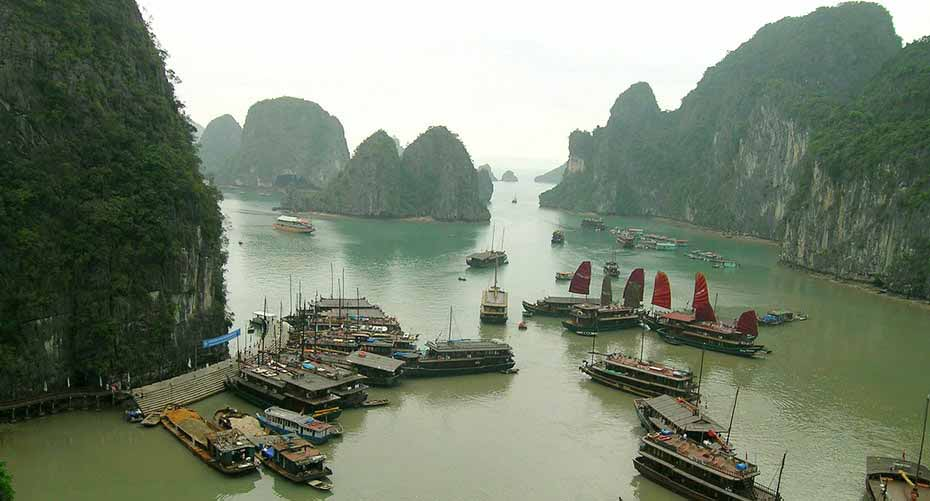 ha-long-bay-north-vietnam4