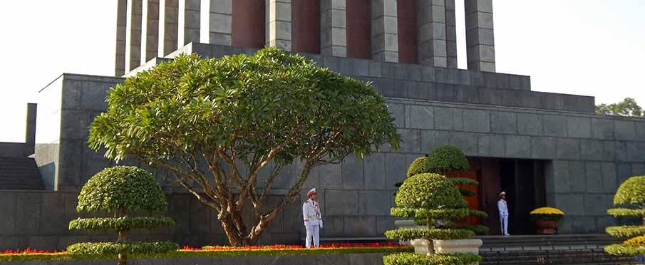 hanoi-vietnam-mausoleum