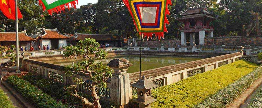 hanoi-vietnam-temple-of-literature