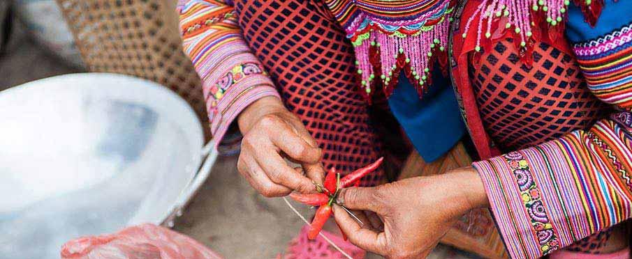 vietnam-ethnic-market-flower-hmong