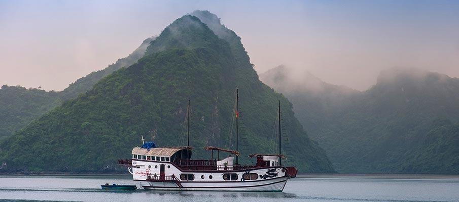 vietnam-ha-long-cat-ba