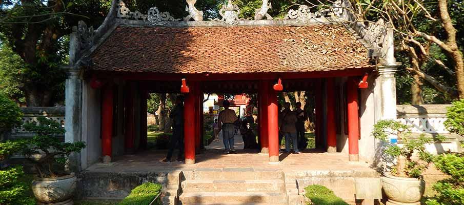 vietnam-hanoi-temple-literature4