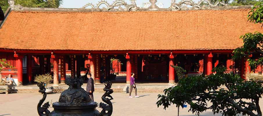 vietnam-hanoi-temple-literature6