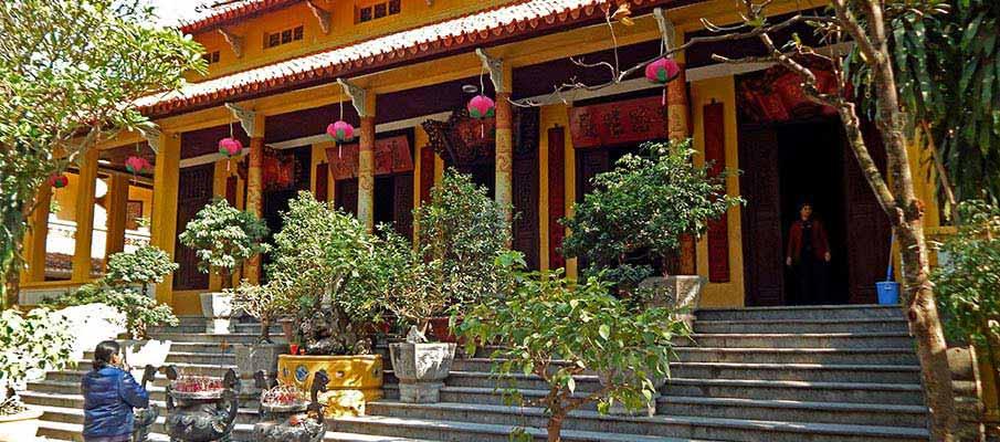 quan-su-pagoda-hanoi2