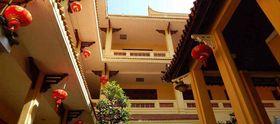 quan-su-pagoda-hanoi3