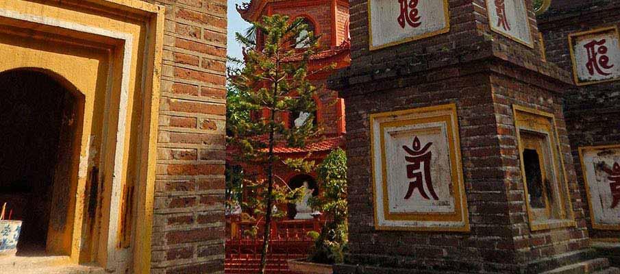 tran-quoc-pagoda-hanoi4