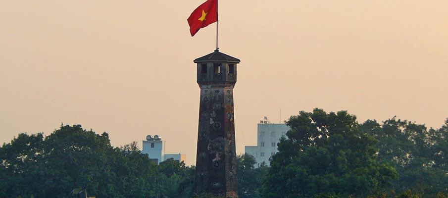 vietnam-flag-tower-thang-long