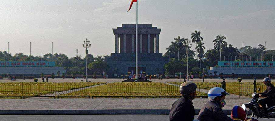 vietnam-ho-chi-minh-mausoleum10