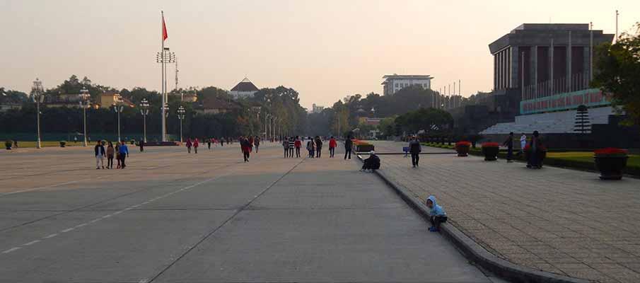 vietnam-ho-chi-minh-mausoleum2