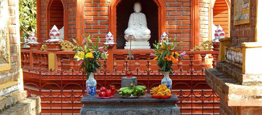vietnam-tran-quoc-pagoda-hanoi1