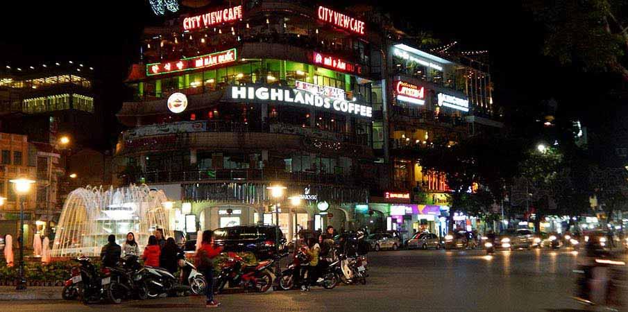 hoan-kiem-hanoi-vietnam-5