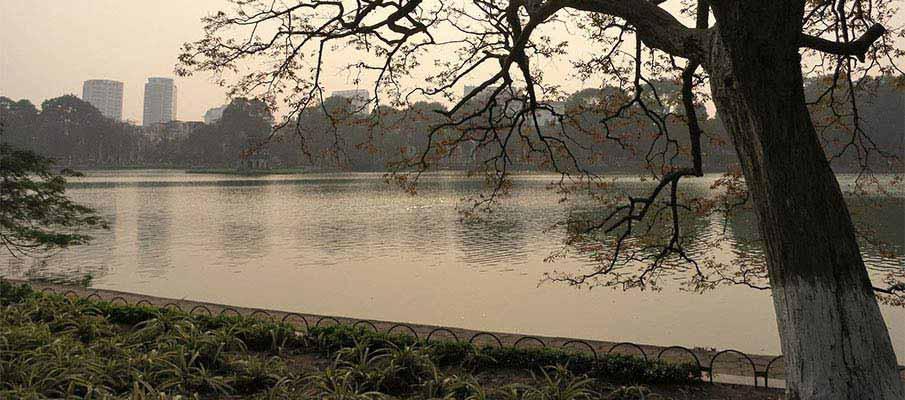 hoan-kiem-lake-hanoi-vietnam-2
