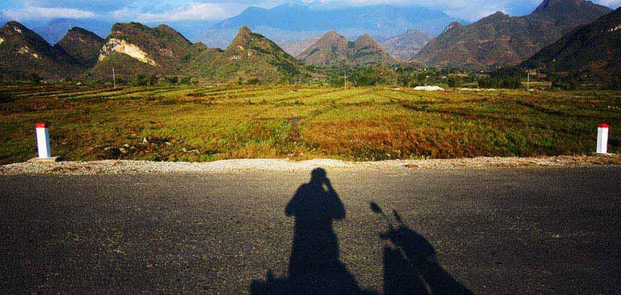 motorbike-vietnam-mountains