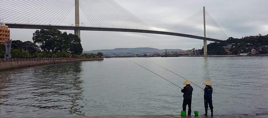 vietnam-ha-long-city-bridge