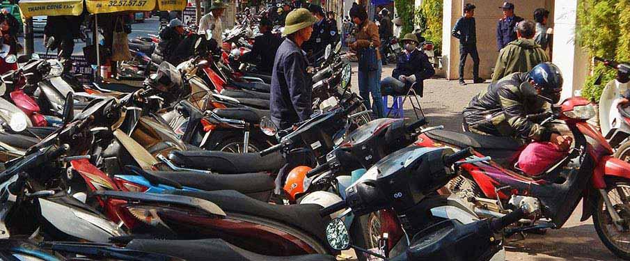 vietnam-motorbikes-hanoi