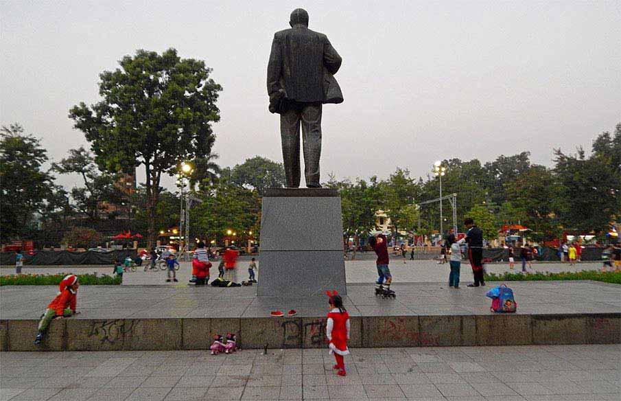 vietnam-lenin-park-hanoi3