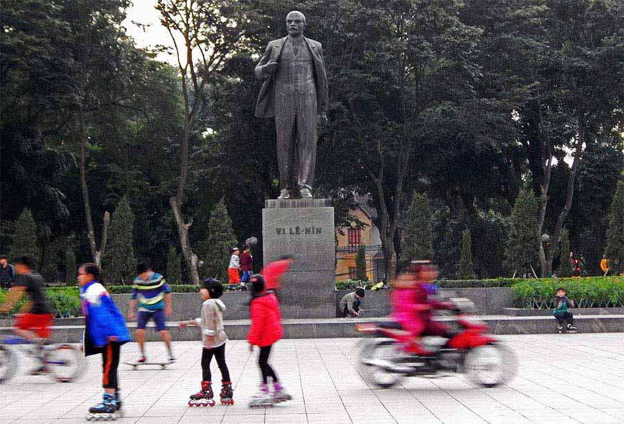 vietnam-lenin-park-hanoi4