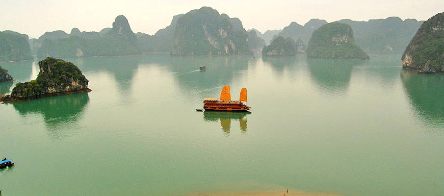 ha-long-bay-vietnam-boat