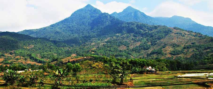 trekking-ba-vi-park-vietnam