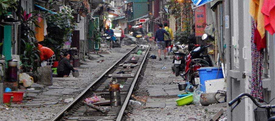 hanoi-railway-vietnam