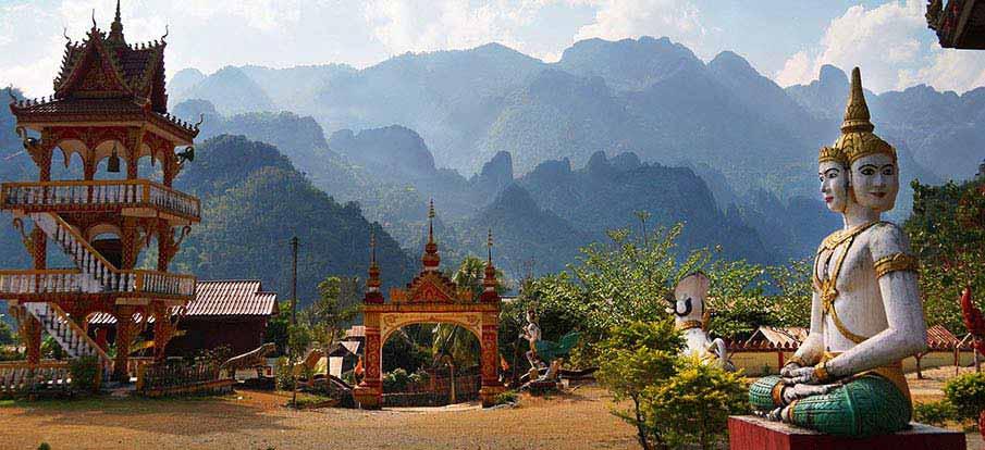 vang-vieng-laos-mountains