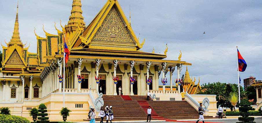 phnom-penh-cambodia-royal-palace