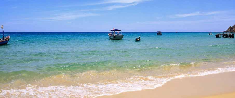 quy-nhon-beach-vietnam2