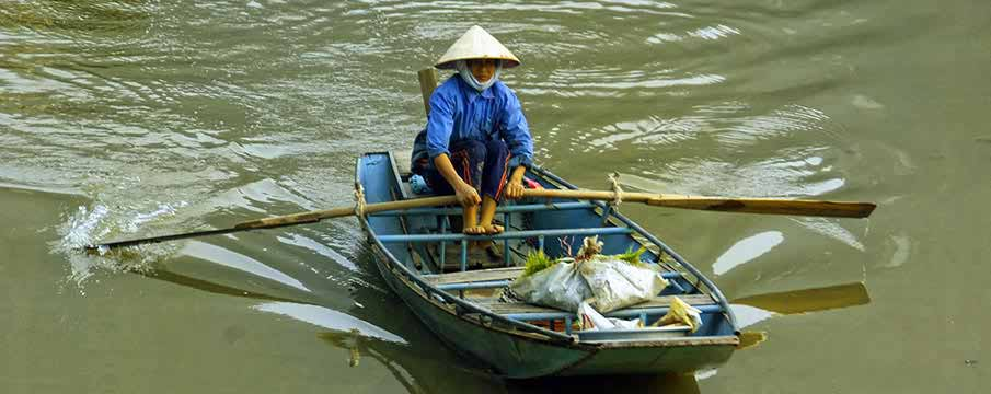 can-tho-floating-market-vietnam