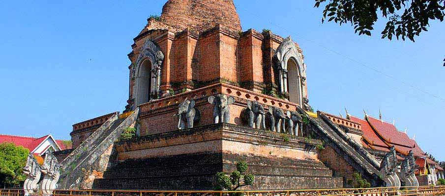 Wat-Chedi-Luang-chiang-mai