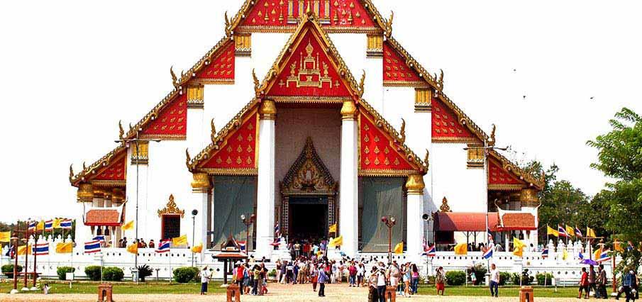 Wat-Phra-Mongkhon-Bophit-thailand
