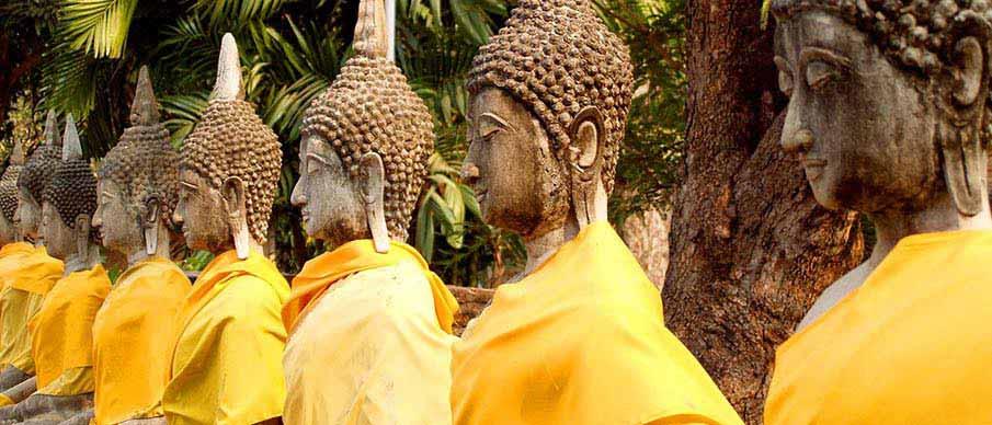 ayutthaya-thailand-buddha-statues