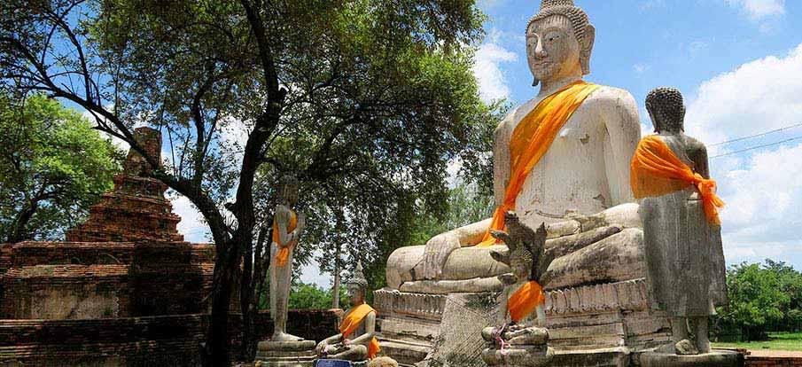 buddhist-statue-ayutthaya-thailand
