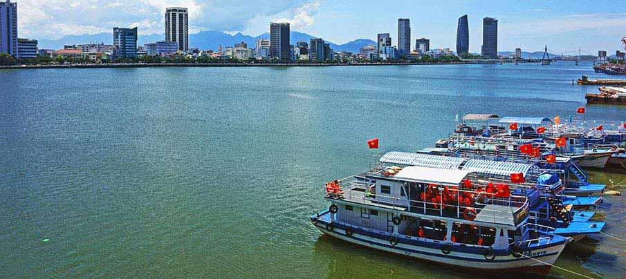 danang-boat-vietnam1