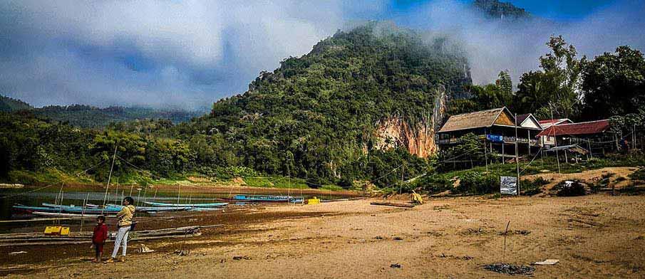 laos-village