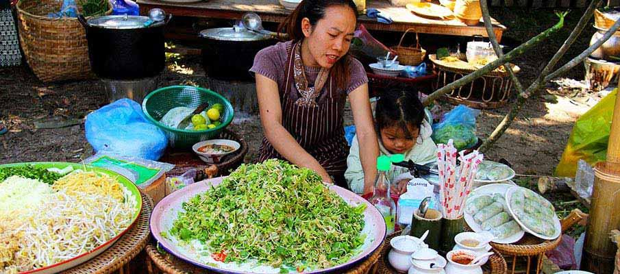 luang-prabang-street-laos