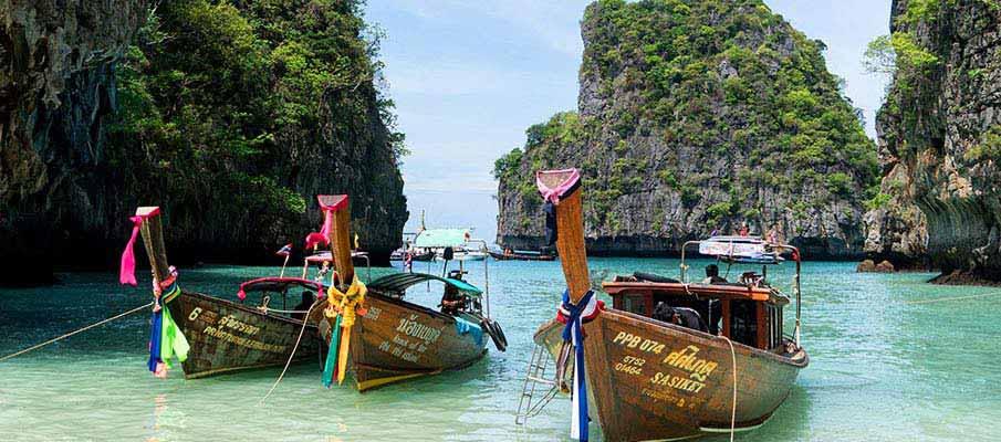 phuket-tourist-boat-thailand