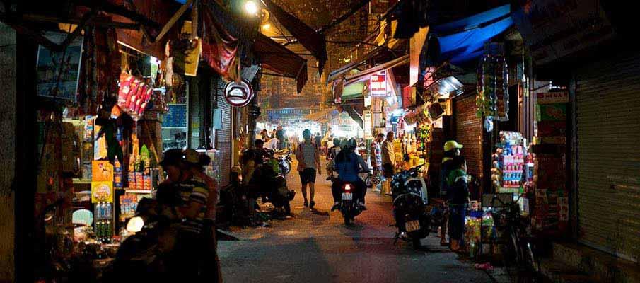 vietnam-hanoi-street