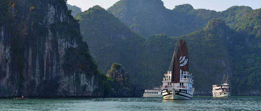 ha-long-bay-tourist-boat-vietnam