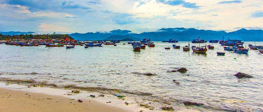 nha-trang-fisherman-boats