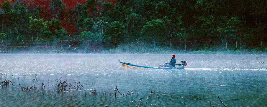 tuyen-lam-lake-da-lat-vietnam