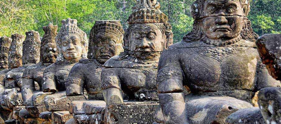sierm-reap-angkor-wat-statues