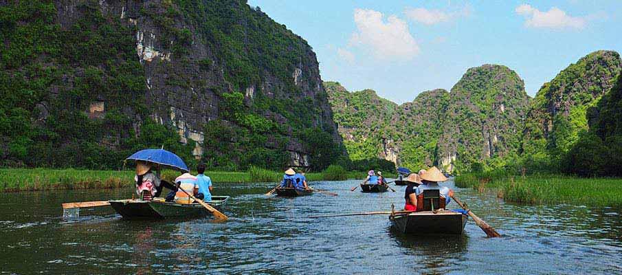 boats-trang-an-ninh-binh-vietnam