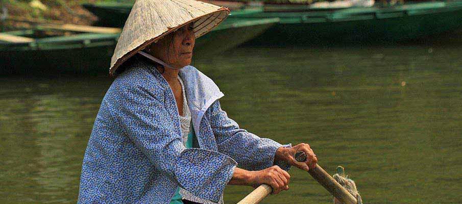 boats-trang-an-ninh-binh-vietnam1