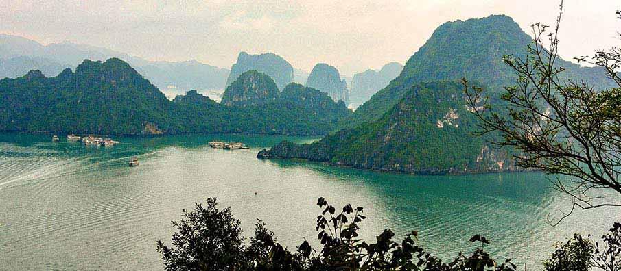 cat-ba-ha-long-vietnam