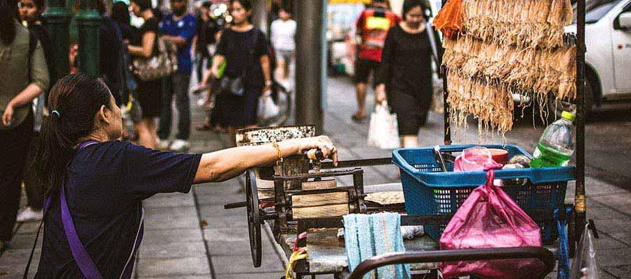 how to get to sisaket from bangkok