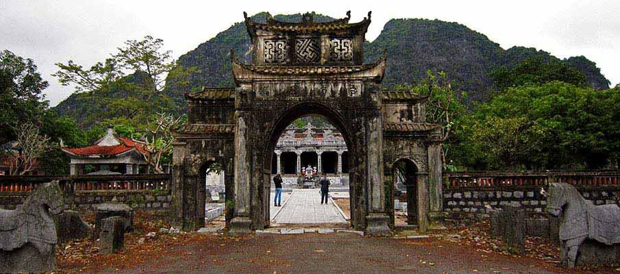 thai-vi-palace-ninh-binh