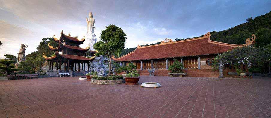 phu-quoc-temple1-vietnam