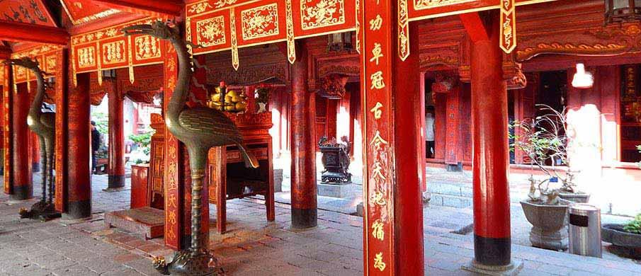 temple-literature-hanoi-vietnam